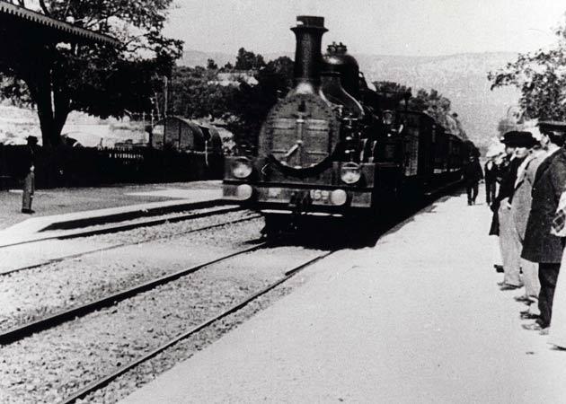«l_arrivée d_un train en gare de la Ciotat